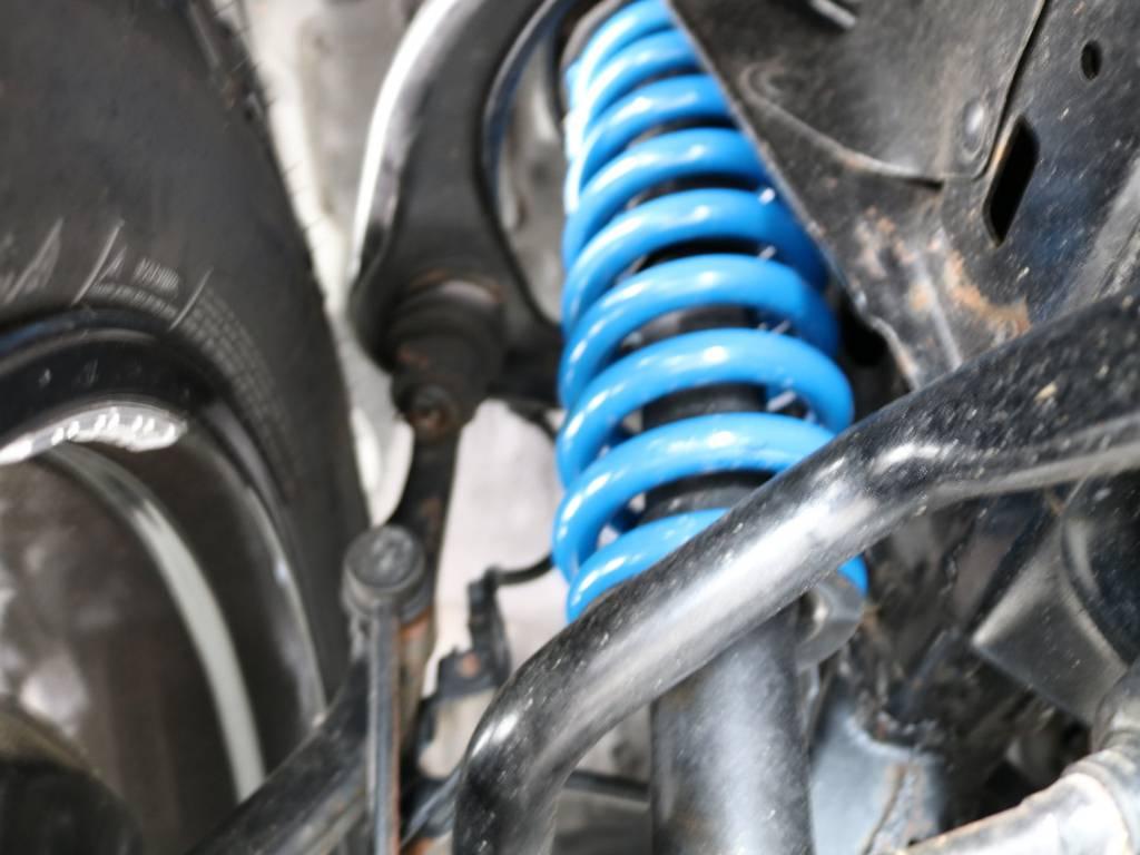 新品2インチUPバネ交換済み!乗り心地を損なわないノーマルショック併用! | トヨタ FJクルーザー 4.0 4WD 新品20インチAW SDナビ