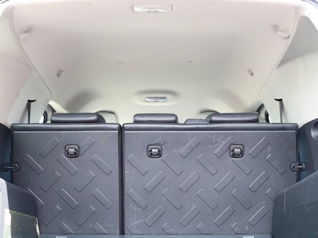 焦げ穴や大きなキズも無く天張りの状態も良好です!フリップダウンモニターの取り付け事例もございます。 | トヨタ FJクルーザー 4.0 4WD 新品20インチAW SDナビ