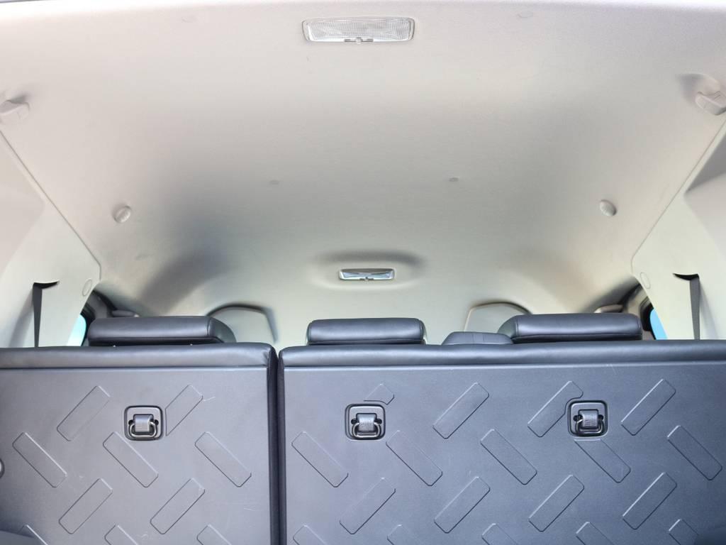 焦げ穴や大きなキズも無く天張りの状態も良好です!フリップダウンモニターの取り付け事例もございます。 | トヨタ FJクルーザー 4.0 4WD 4インチUP SDナビ