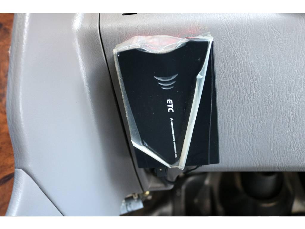 必需品のETCも完備! | トヨタ ハイラックスサーフ 2.7 SSR-X 4WD LEDテール