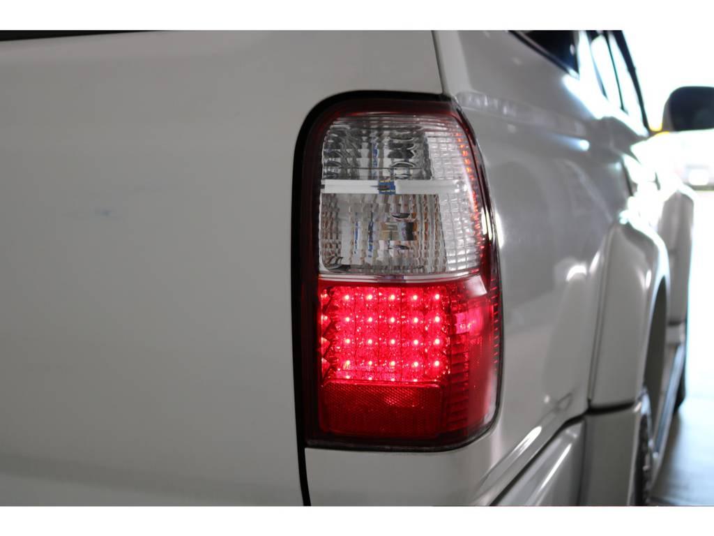 LEDテールも装着済み! | トヨタ ハイラックスサーフ 2.7 SSR-X 4WD LEDテール