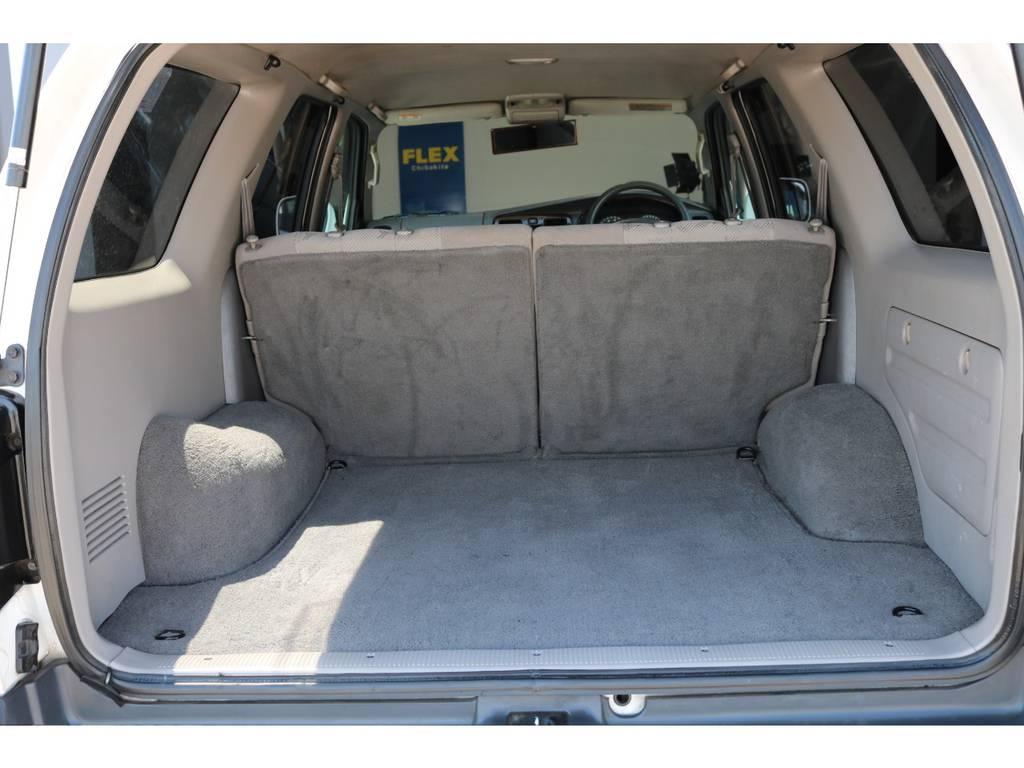 広々したラゲッジルーム!大容量でキャンプ用品なども沢山収容できます! | トヨタ ハイラックスサーフ 2.7 SSR-X 4WD LEDテール