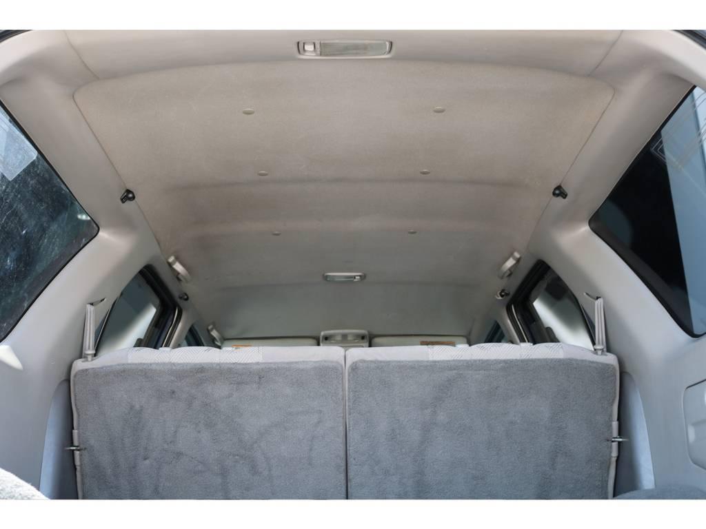 広々した天井!大きなキズやへたりも無く天張りもグッドコンディション! | トヨタ ハイラックスサーフ 2.7 SSR-X 4WD LEDテール