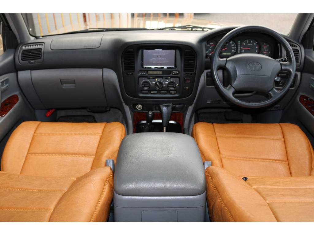 内装グレー基調☆ | トヨタ ランドクルーザー100 4.7 VXリミテッド 4WD Renoca106 フルセグナビ