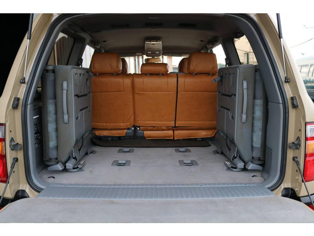 荷室は綺麗に保たれております☆広いのでキャンプ、アウトドアに重宝します☆ | トヨタ ランドクルーザー100 4.7 VXリミテッド 4WD Renoca106 フルセグナビ