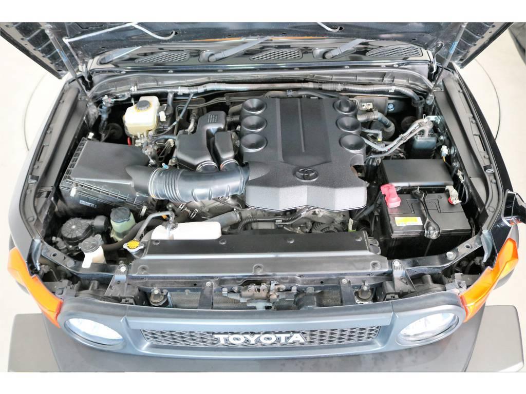 店舗敷地内に工場完備ですので車検から整備までお任せください。 | トヨタ FJクルーザー 4.0 ブラックカラーパッケージ 4WD SDナビ 純正ルーフラック