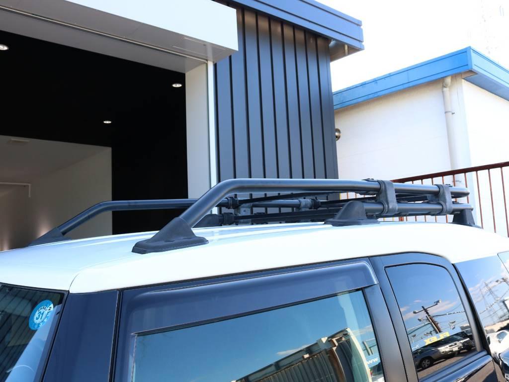 純正ルーフラックも装着済みです! | トヨタ FJクルーザー 4.0 ブラックカラーパッケージ 4WD SDナビ 純正ルーフラック