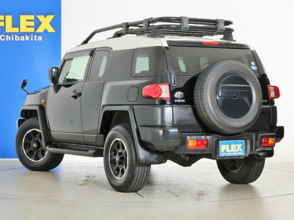ノーマルコンディションでお好きなカスタムを取り入れられます! | トヨタ FJクルーザー 4.0 ブラックカラーパッケージ 4WD SDナビ 純正ルーフラック