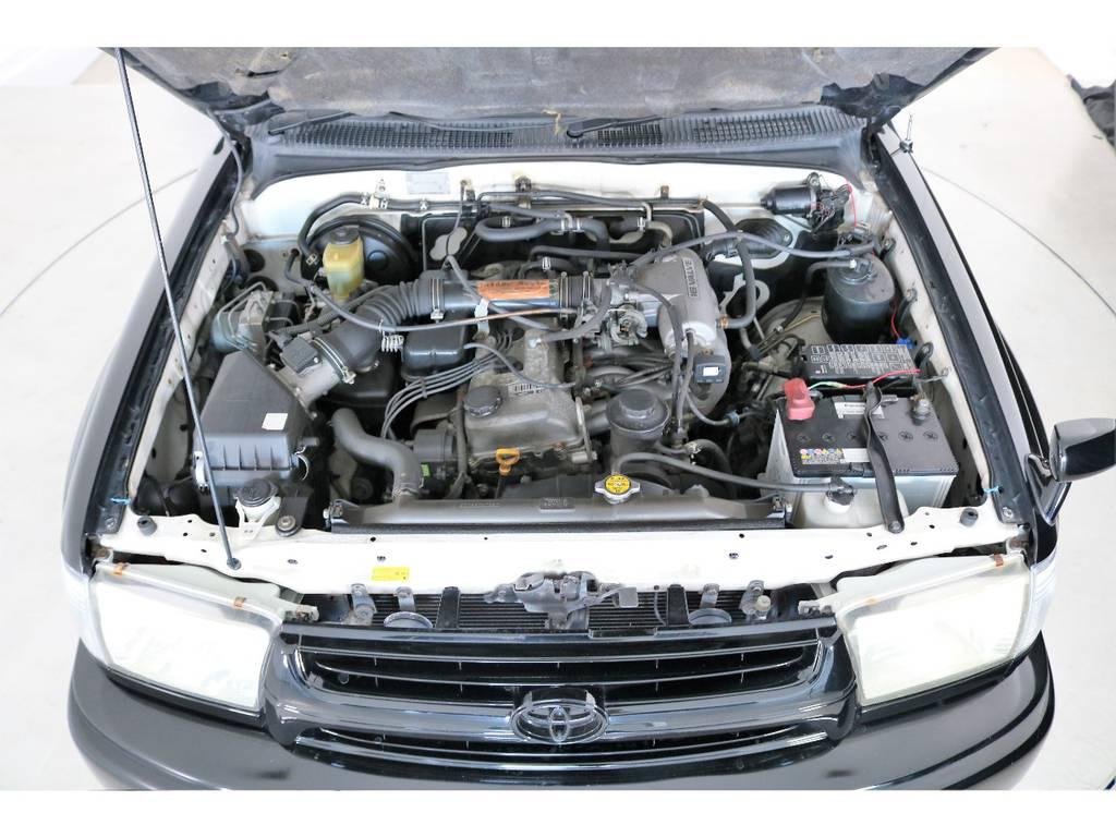 | トヨタ ハイラックスサーフ 2.7 SSR-X パッケージオプションA 4WD SDナビ バックカメラ 2インチUP