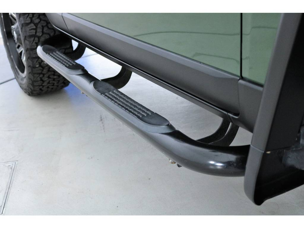 おしゃれなチューブステップ付き | トヨタ FJクルーザー 4.0 カラーパッケージ 4WD SDナビ バックカメラ