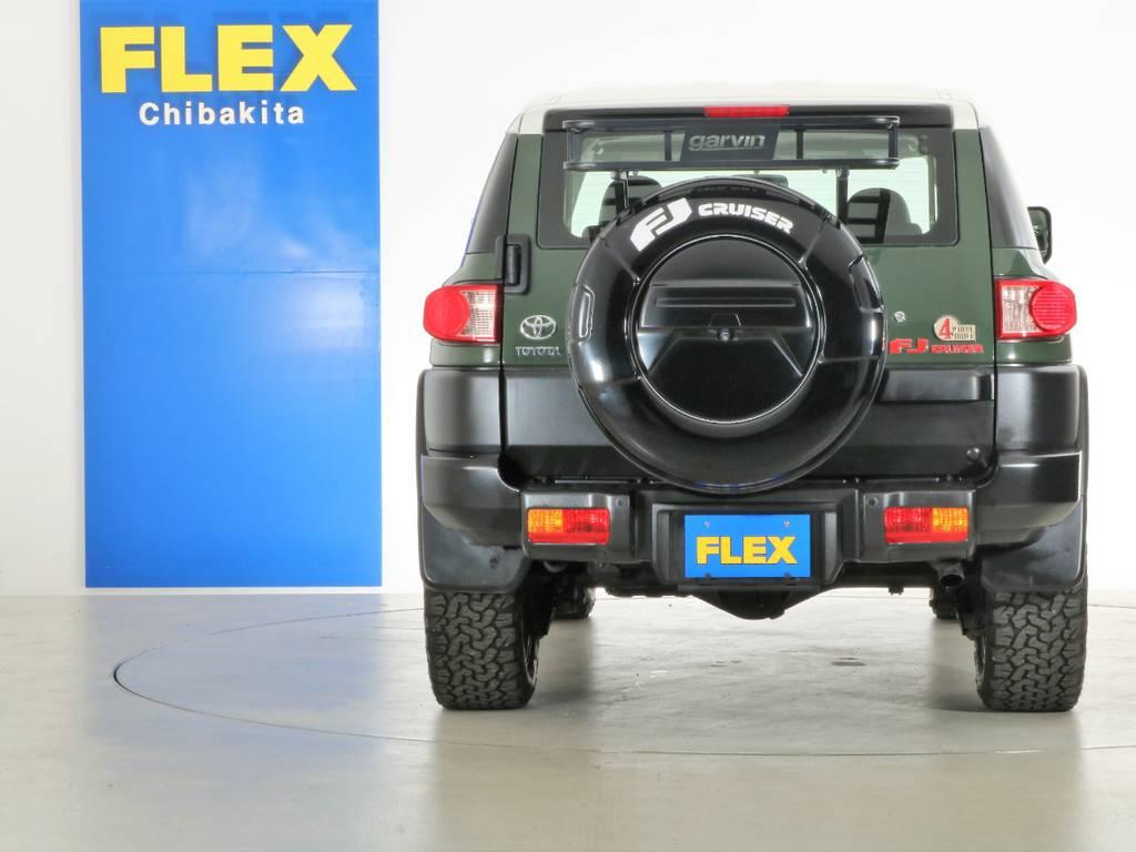 タイヤカバー、カーゴラック付き! | トヨタ FJクルーザー 4.0 カラーパッケージ 4WD SDナビ バックカメラ
