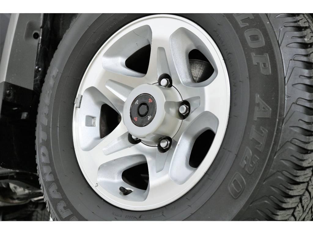 ノーマルホイールに大きな傷も無くグッドコンディション! | トヨタ ランドクルーザー70 4.0 4WD オプションデフロック SDナビ