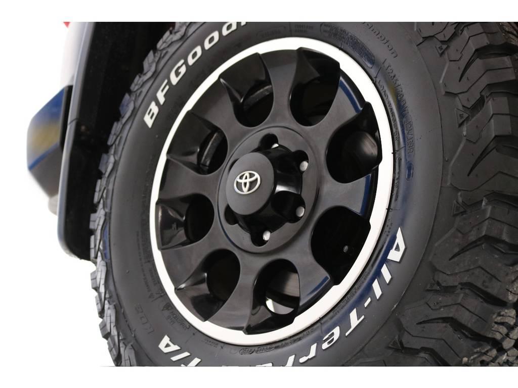 純正ホイールにBFグッドリッチATを装着! | トヨタ FJクルーザー 4.0 レッドカラーパッケージ 4WD 2インチUP SDナビ