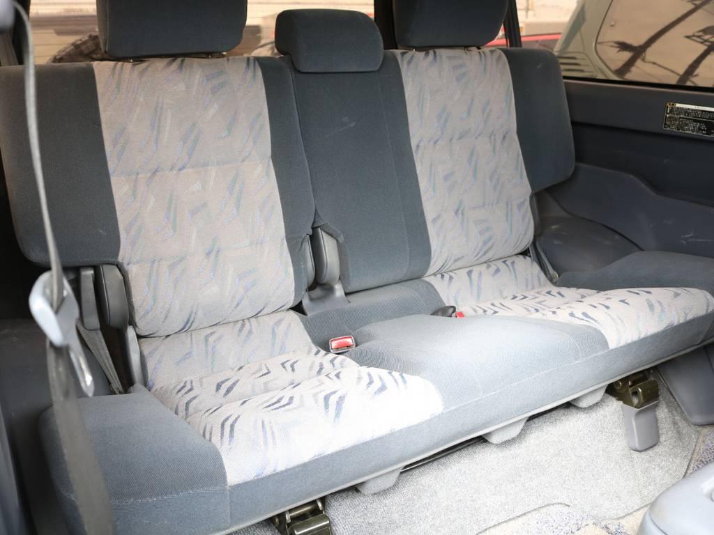 後部座席も広々で後ろに乗っている方も快適☆