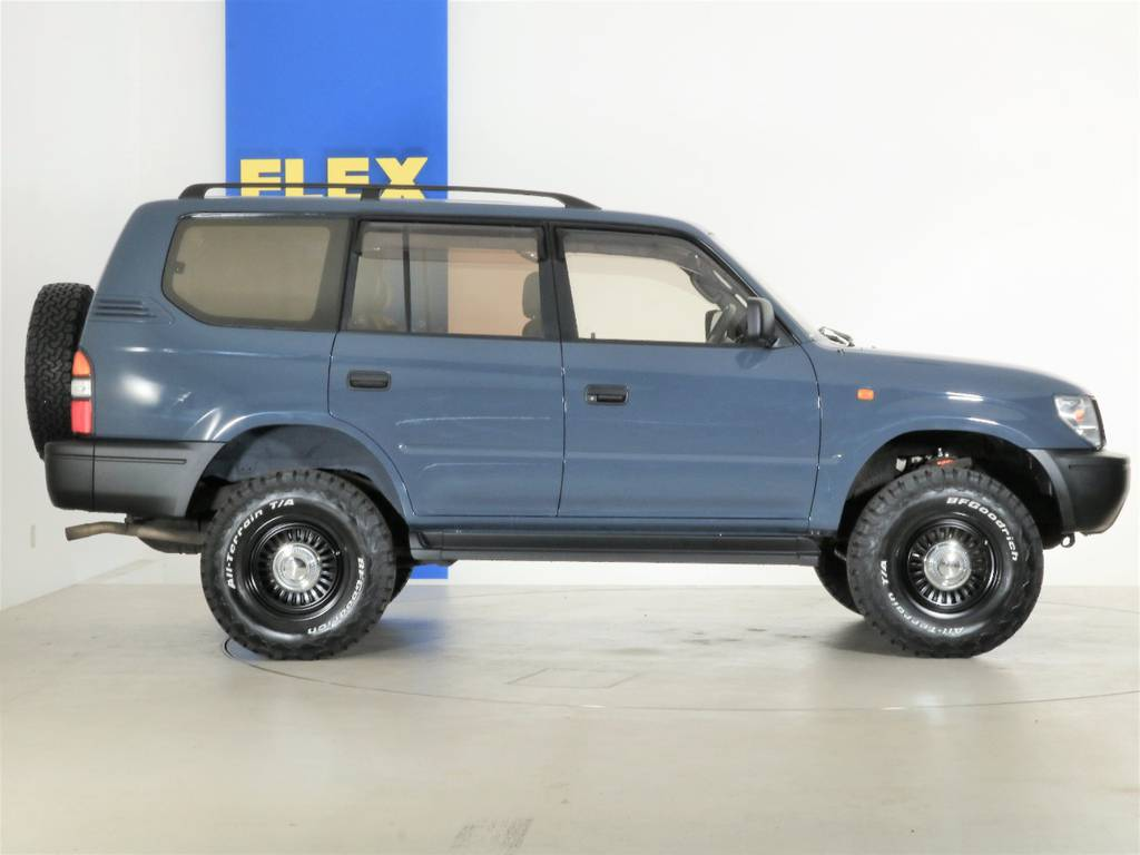 アウターハンドル、ミラーはマッドブラックに塗分けしております☆ | トヨタ ランドクルーザープラド 2.7 TX 4WD ナロー仕様 SDナビ ETC Bカメラ