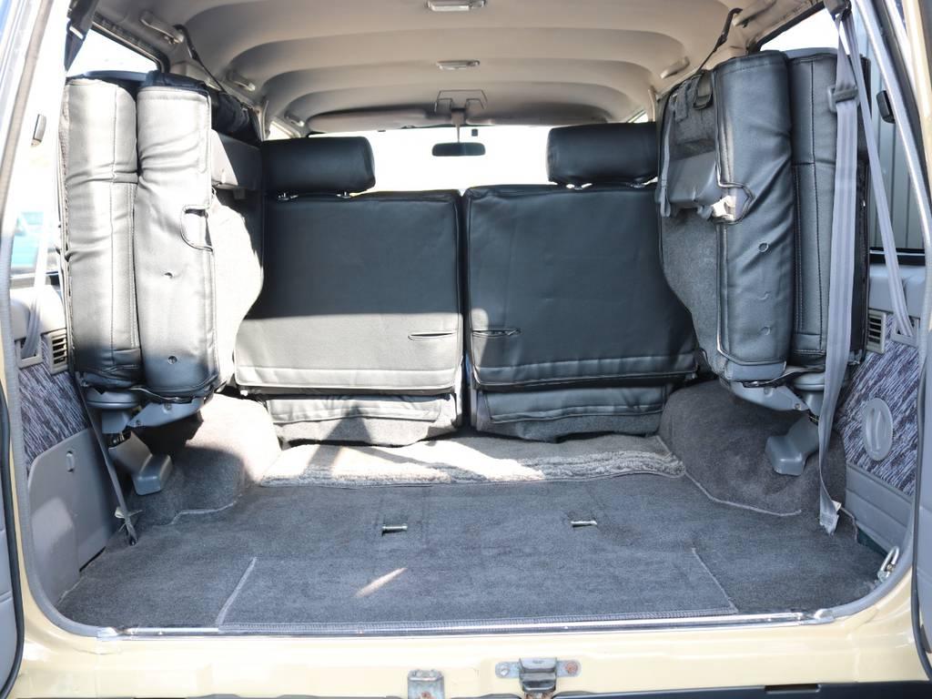 3列目は跳ね上げで荷室も広々☆ | トヨタ ランドクルーザープラド 3.0 SXワイド ディーゼルターボ 4WD NOX・PM法適合車 SDナビ
