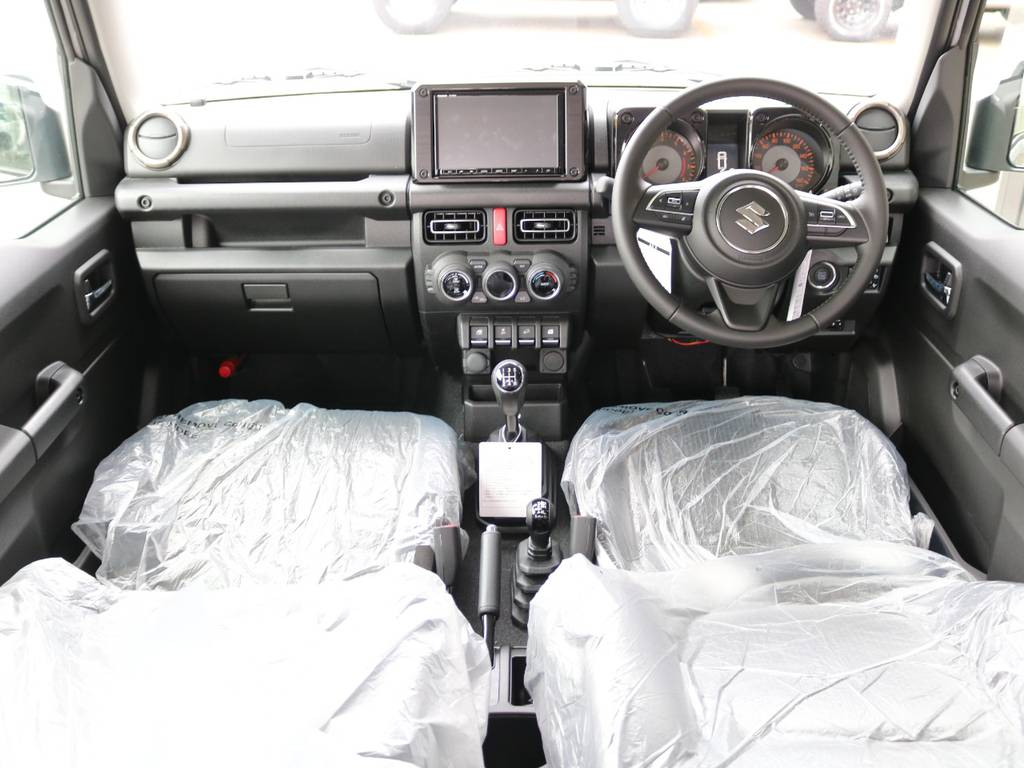 座席はまだビニールもそのままで綺麗です☆ | スズキ ジムニーシエラ 1.5 JC 4WD 8インチナビ ETC Bカメラ