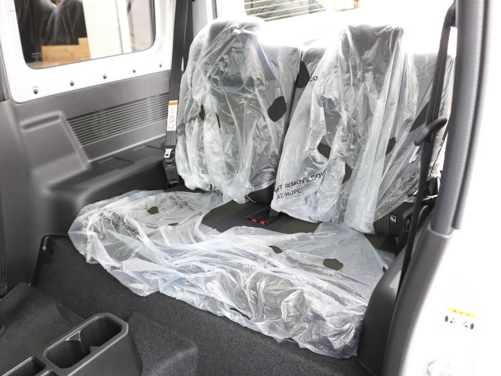 後部座席もビニール装着で綺麗です☆ | スズキ ジムニーシエラ 1.5 JC 4WD 8インチナビ ETC Bカメラ
