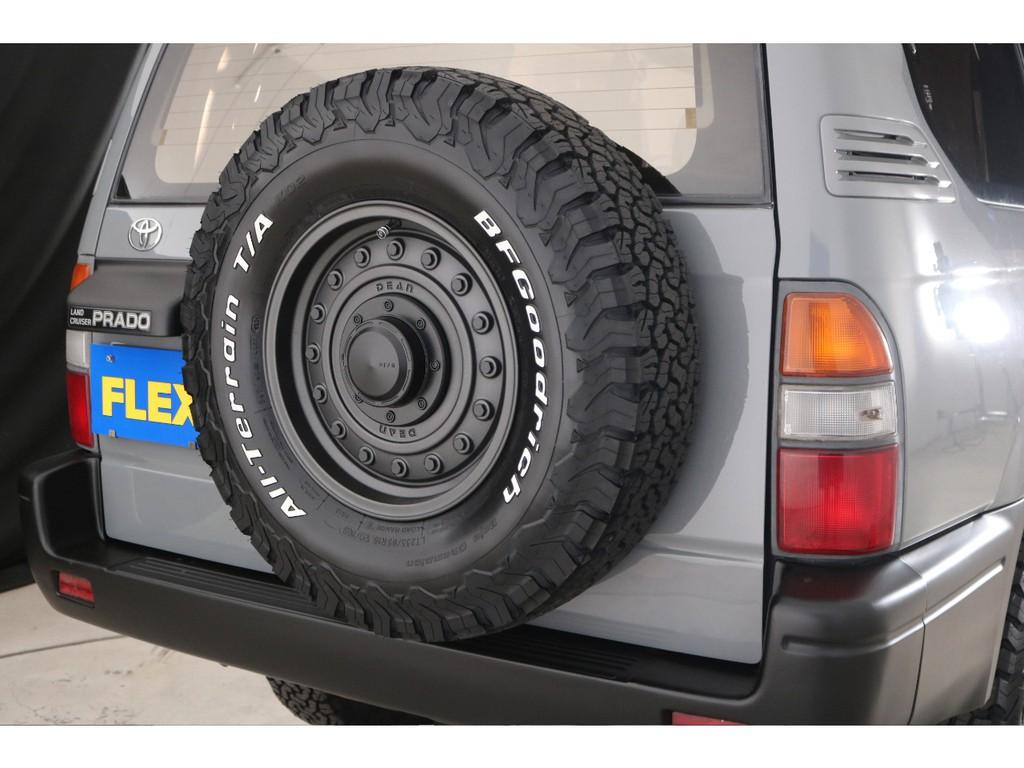 背面タイヤまで交換しており、全体の統一感もUP!