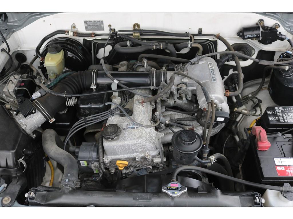 2700ccの3RZエンジン!タイミングチェーンで10万キロ毎の交換も不要です!