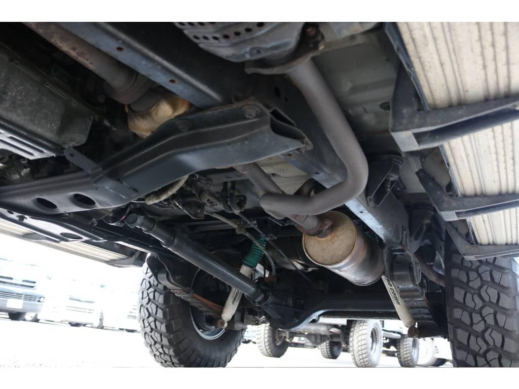 下回りも綺麗に保たれております☆錆も少ないです☆ | トヨタ ランドクルーザー60 4.0 VX ハイルーフ 4WD 平屋根換装 全国登録OK