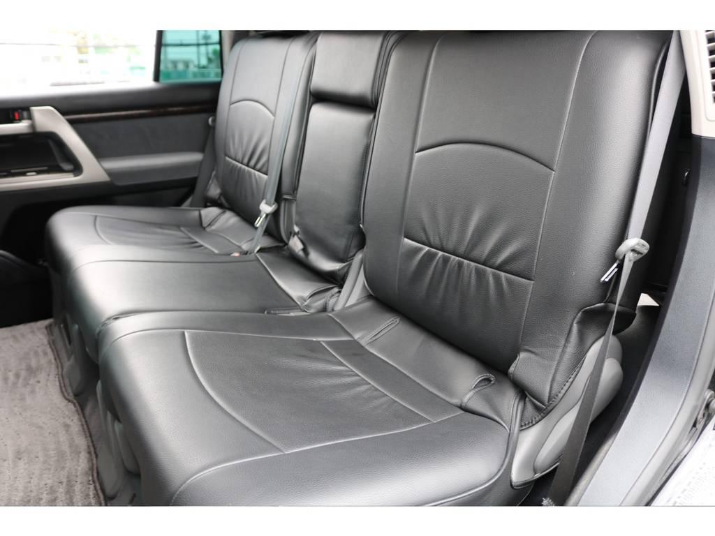 後部座席ももちろんシートカバー装着済み☆