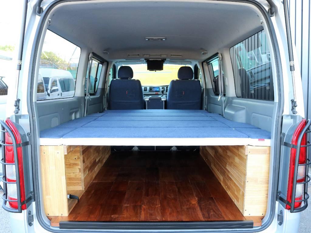 荷物を積んだままでも、ごろりんスペース確保できちゃいます | トヨタ レジアスエース 2.0 スーパーGL ロングボディ CoastLinesナロー