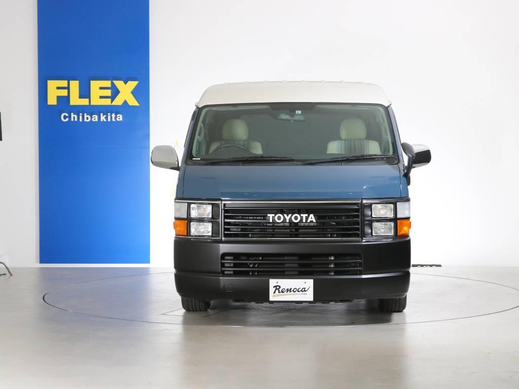 ファミリーカーはもちろん女性やサーファー、ボーダー、アングラーにもお勧めの1台!ハイエースの概念を覆すFLEXの新しい提案です。