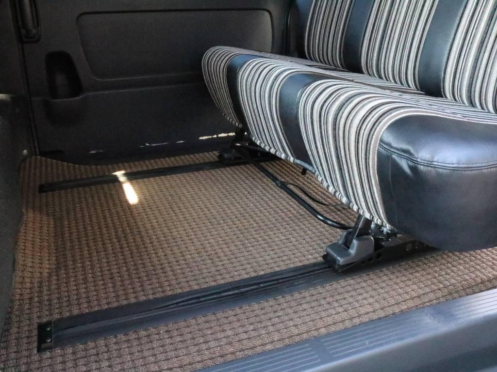 フロアマットまでオシャレです!!   トヨタ レジアスエース 2.7 スーパーGL ワイド ミドルルーフ ロングボディ CoastLines内装FU-Wスライ