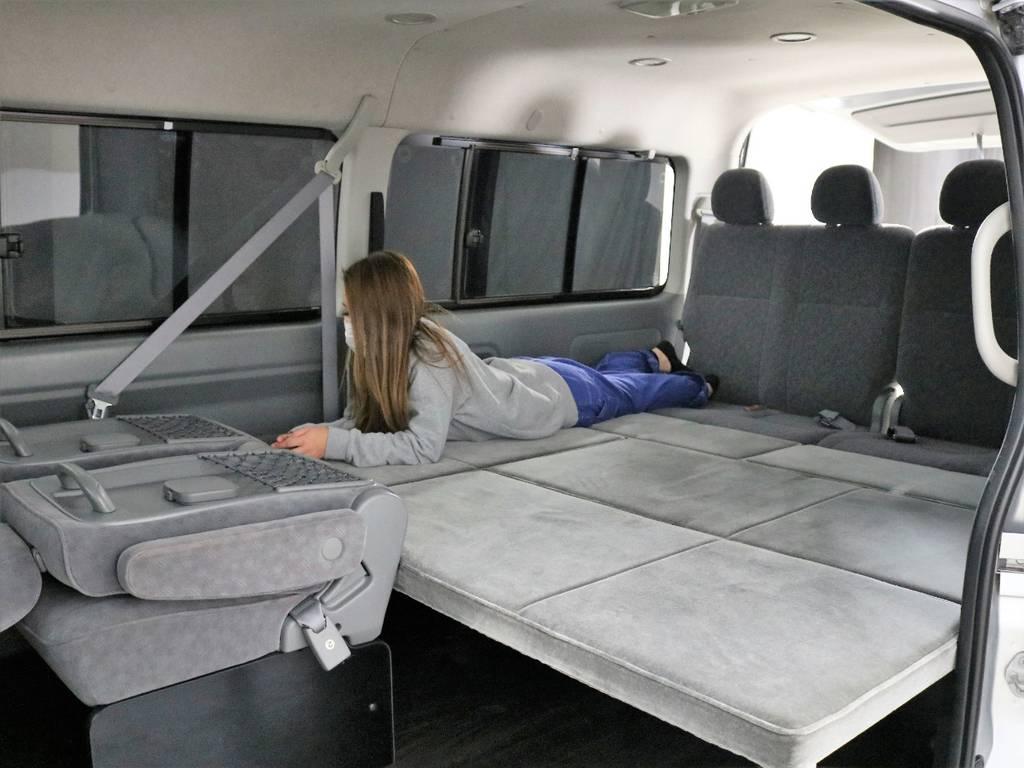 3列目シートを外し、ベットキットに変えてあります。車中泊も快適にお過ごしできます   トヨタ ハイエース 2.7 GL ロング ミドルルーフ CoastLines