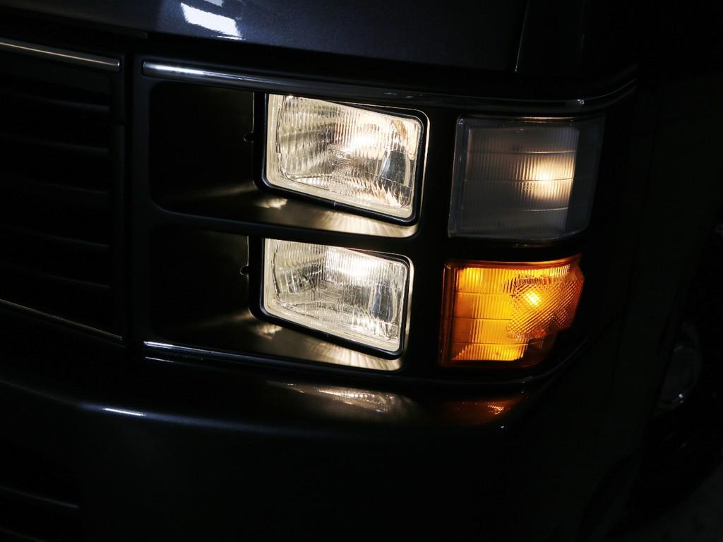 角目4灯ヘッドライト 点灯時の状態!