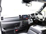 新車未登録 ハイエースV DARKPRIMEⅡ 2.8DT 4WD! メーカーオプションとして新たに加わったデジタルインナーミラー・PVM・インテリジェントクリアランスソナーを装着しています!