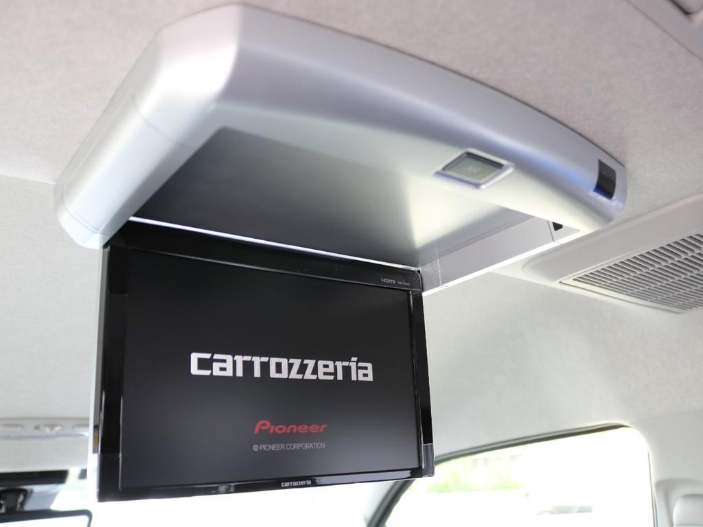 カロッツェリア1020Sフリップダウンモニターを設置致しました! 後部座席の方も退屈させません♪