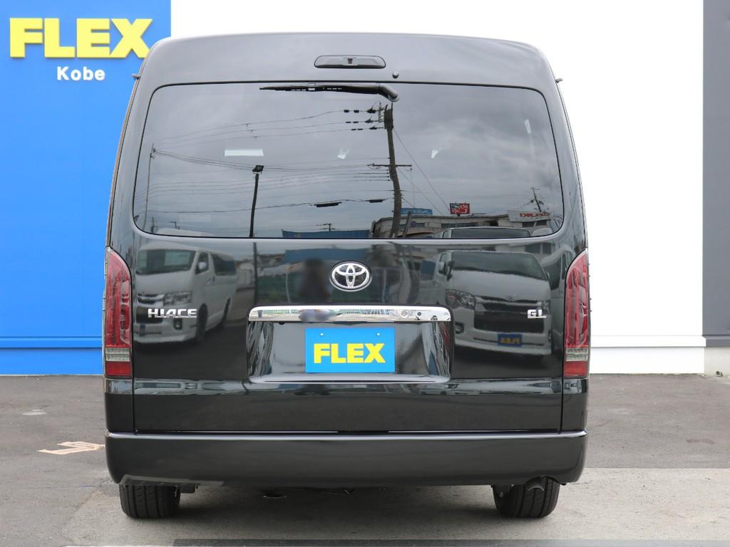ハイエースのことならハイエース専門店のFLEXハイエース神戸店へ! 常時25台以上の展示車両、全国700台以上のハイエースから貴方にぴったりのハイエースをお探し致します!