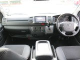 特別仕様車ダークプライムをベースにカスタマイズ! LEDヘッドライト、スマートエントリー他マホガニ調コンビハンドル等を標準装備!