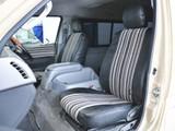 FLEXオリジナル、Renoca専用シートカバーを装着済み。