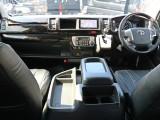 未登録新車ハイエースワゴン ファインテックツアラー 2.7ガソリン 4WD パーキングアシスト搭載! ワゴンでは唯一の5ドアで乗り降りもしやすく使い勝手も抜群です!