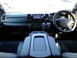平成31年式ハイエースバンDARKPRIMEⅡ 2.0ガソリン2WD TSSP搭載! 新車時当社製作のワンオーナー車! まさしく早い者勝ちの一台です!