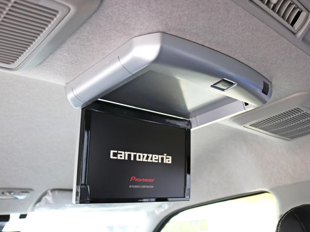 カロッツェリア1020Sフリップダウンモニター装着済み! 後部座席のゲストを退屈させません。ゼロワゴンベッドとの相性もばっちりです♪