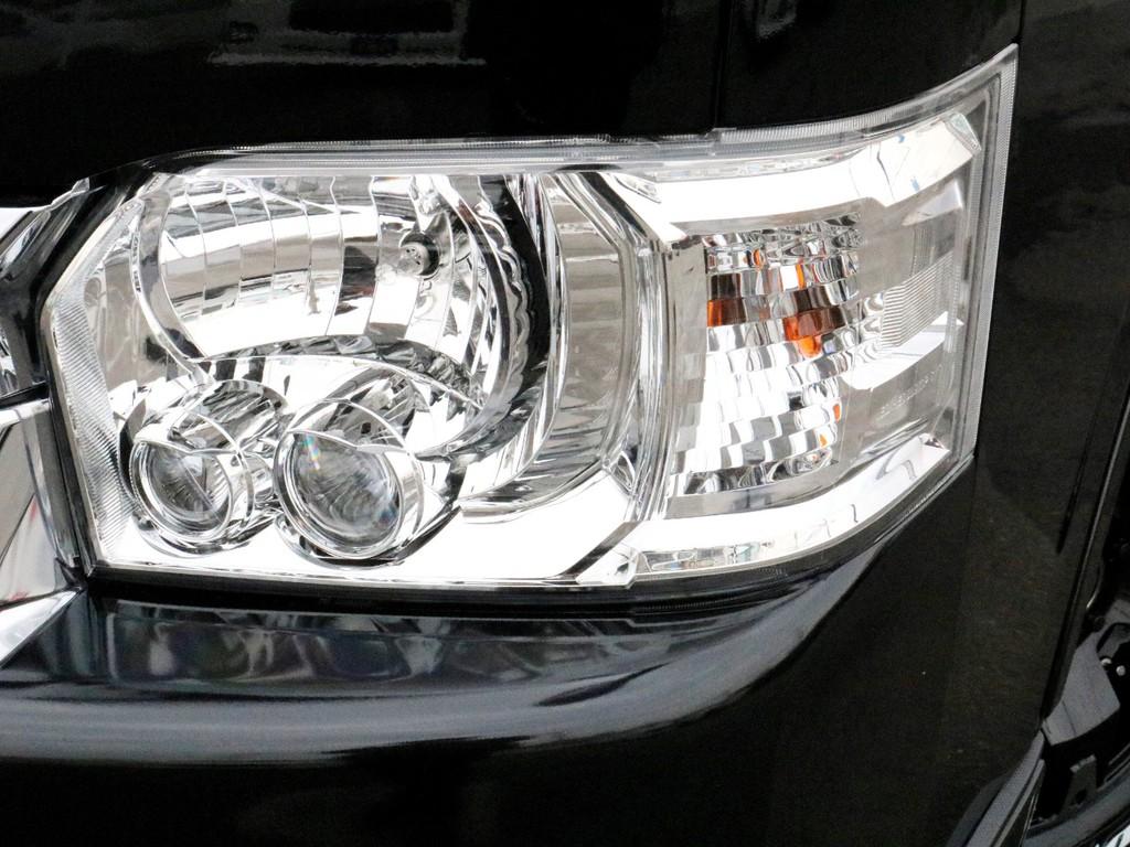 メーカーオプションのLEDヘッドランプ完備! オートレベリング機能により先行車、対向車への眩惑防止にも配慮しています。