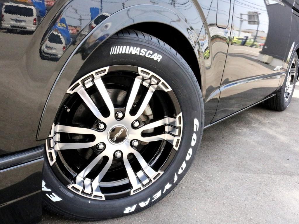 FLEXオリジナル Delf02を装着済み! タイヤはナスカーホワイトレタータイヤを合わせています。