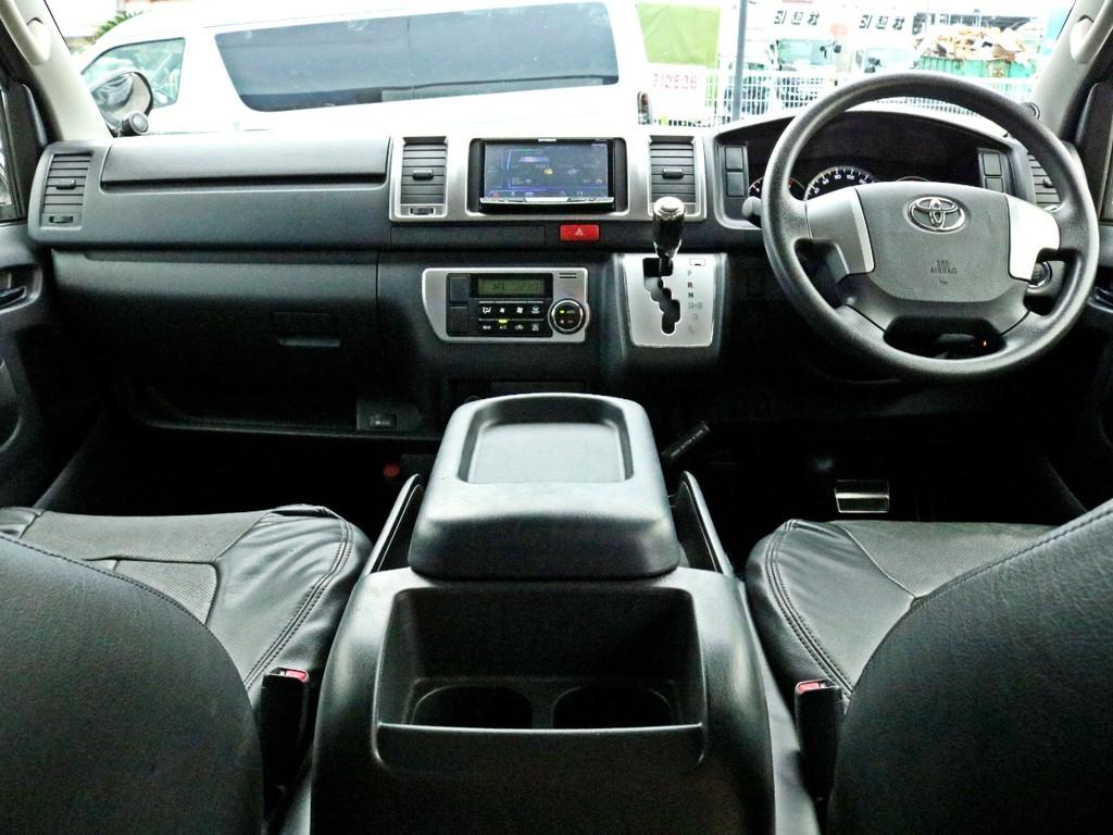 新車時メーカーオプションのLEDヘッドライト・プッシュスタート&スマートエントリー・AC100V電源・防眩ミラー・両側パワースライドを完備! ベッドキット等追加のカスタムも楽しめる一台です!