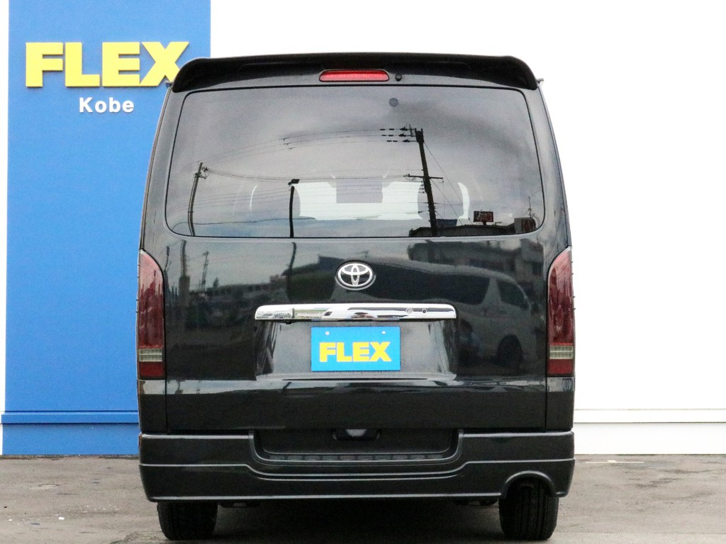 ハイエースをお探しならFLEX神戸店へ! 神戸店の展示車両は勿論、全国のFLEXが保有するハイエースの中から貴方にぴったりの一台をお探し致します!
