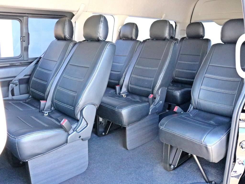 シートカバーは勿論、全席に設置されています。 車内全体に統一感があります。