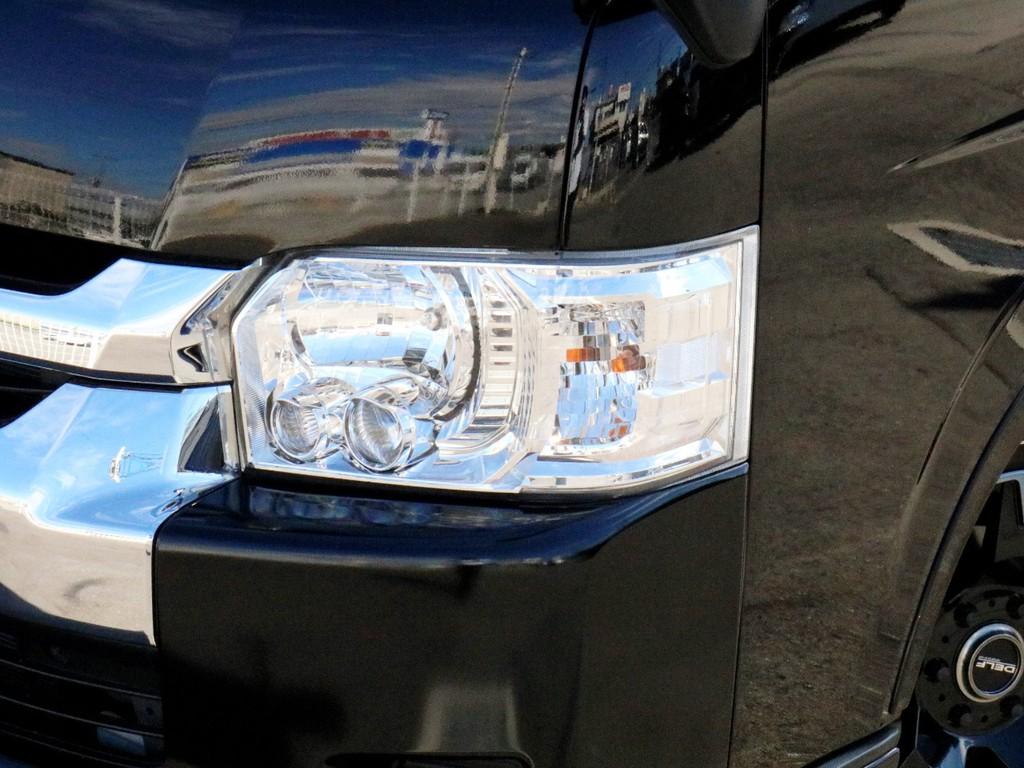 LEDヘッドライトを完備! 暗い夜道を明るく照らしてくれます。