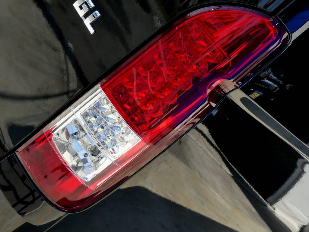 LEDテールランプは見る者を魅了します!!