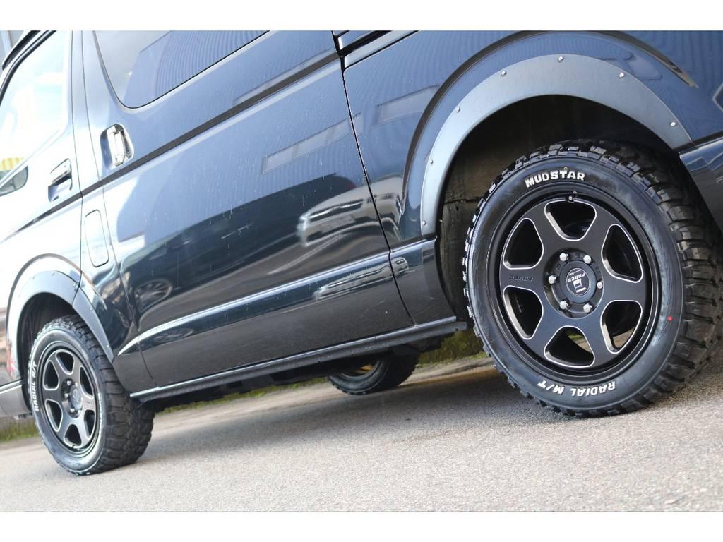 マッドタイヤが決まってます。 | トヨタ レジアスエース 2.7 スーパーGL ワイド ミドルルーフ ロングボディ 4WD リフトアップ