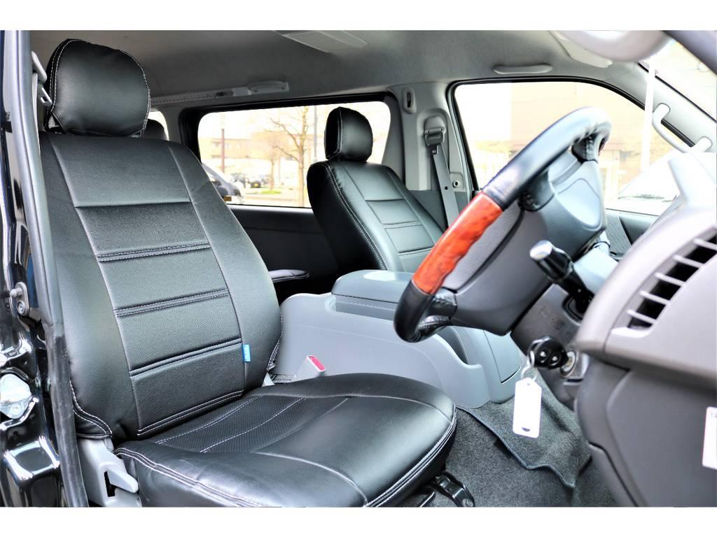 広々乗れる助手席です。 | トヨタ レジアスエース 2.7 スーパーGL ワイド ミドルルーフ ロングボディ 4WD リフトアップ