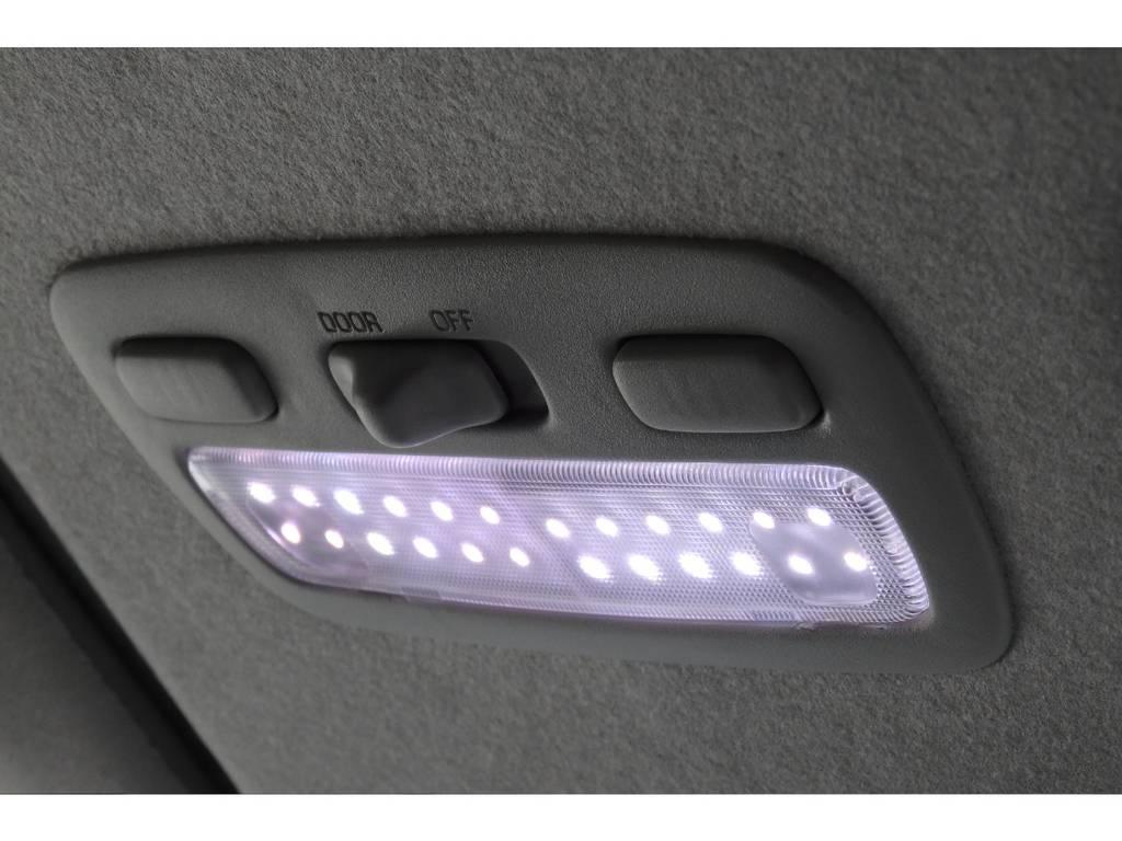 るーむらいとはLEDに交換済みで明るいですよ。 | トヨタ レジアスエース 2.7 スーパーGL ワイド ミドルルーフ ロングボディ 4WD リフトアップ