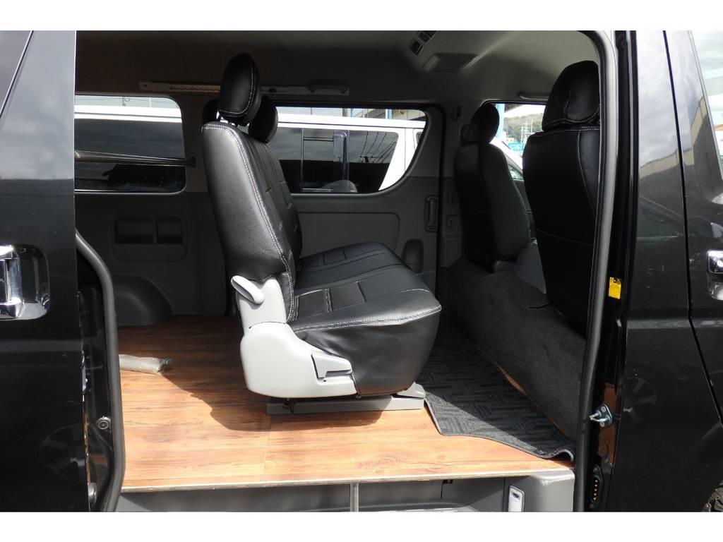 間口が広く取っても乗り降りがしやすいです。 | トヨタ レジアスエース 2.7 スーパーGL ワイド ミドルルーフ ロングボディ 4WD リフトアップ